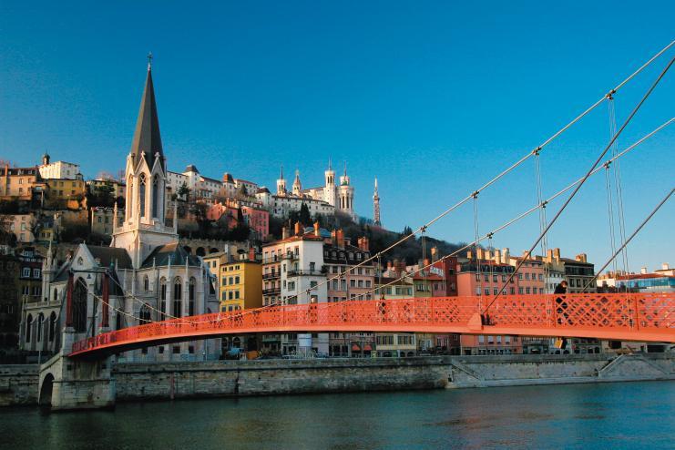Logic immo P 1 Dossier Local  Lyon Pont passager sur la Saone ˆ Lyon.
